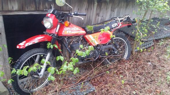 Die Suzuki meines Nachbars - (Motorrad, Suzuki, Restauration)