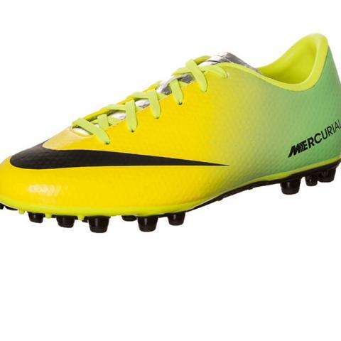 <--- dieser Schuh ist gemeint  - (Nike, Fussballschuhe, Mercurial)
