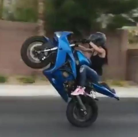 Das hier(: - (Frauen, Motorrad, fahren)