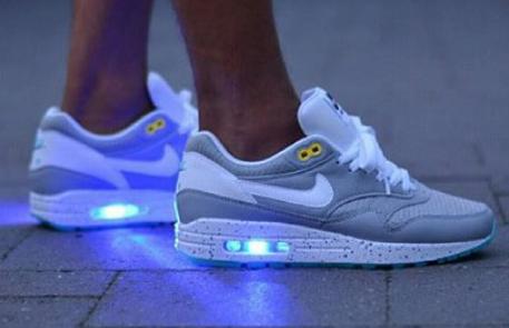 Nike Die Leuchten Nur Eine Weitere Galerie Fur Dekoration