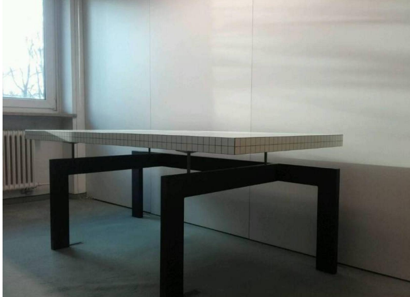 Wie hei t dieser tisch und von welche marke ist der tisch for Kreuch tisch und design