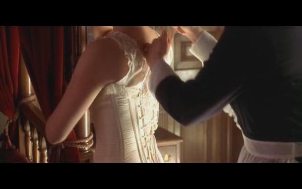 von hinten - (Mode, Rosen, Titanic)