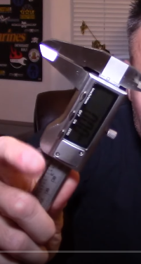 Wie heißt dieses Messgerät, um die Dicke von Gegenständen zu bestimmen?