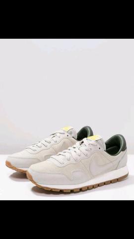 Nike Schuh - (Nike, Sneaker)