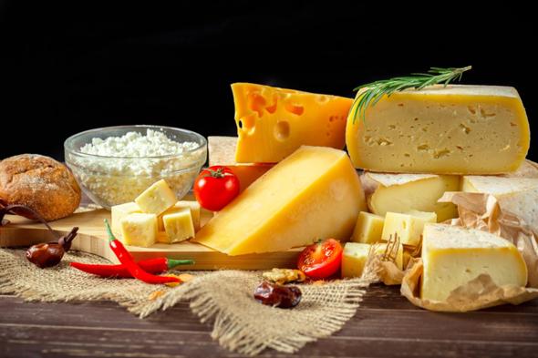 Wie heißt jemand der Käse im Fachhandel verkauft/ anbietet?