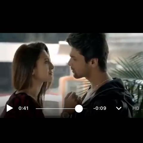 Da läuft der Junge wieder die treppen hoch in dem Film weil er seine ex sieht - (Liebe, Film, Bollywood)