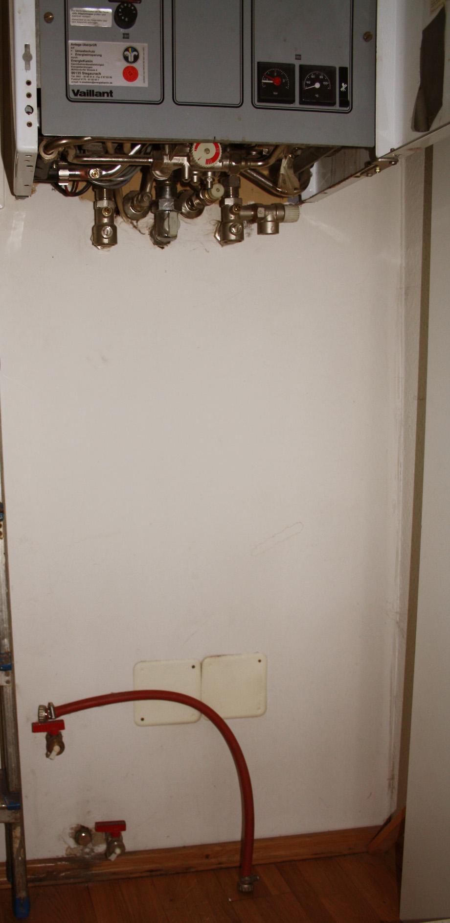 wie ist bei meiner gastherme das wasser nachf llen gedacht. Black Bedroom Furniture Sets. Home Design Ideas