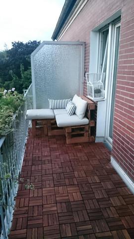 wie kann ich am besten eine balkontrennwand dekorieren. Black Bedroom Furniture Sets. Home Design Ideas