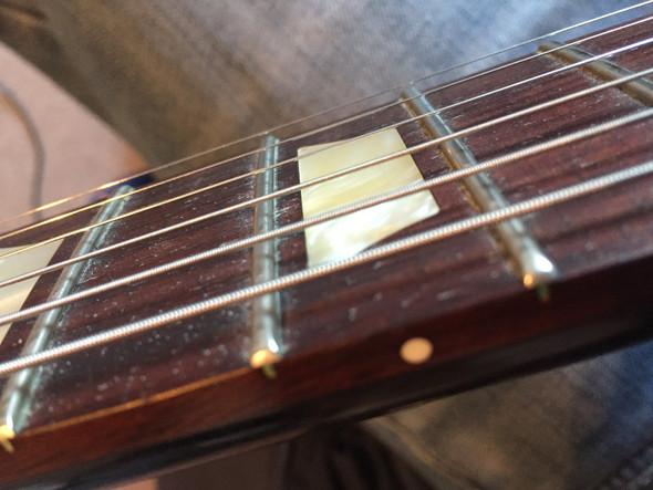 wie kann ich am besten mein griffbrett e gitarre reinigen schmutz les paul. Black Bedroom Furniture Sets. Home Design Ideas