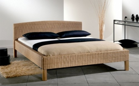 wie kann ich aus meinem jetztigen bett ein himmelbett bauen technik. Black Bedroom Furniture Sets. Home Design Ideas