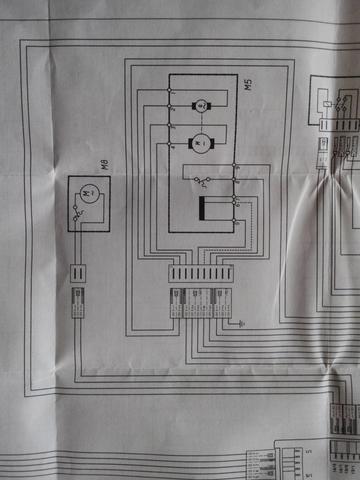 wie kann ich den motor einer waschmaschiene anschliesen. Black Bedroom Furniture Sets. Home Design Ideas