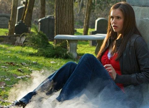 Wie kann ich den Style von Elena Gilbert aus Vampire Diaries nachstylen?