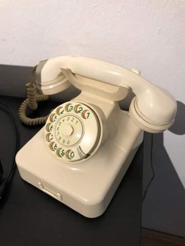 Wie kann ich dieses Telefon anschließen?