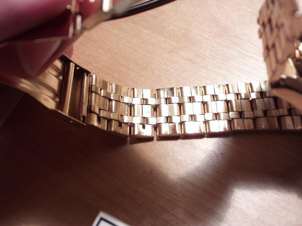 wie kann ich dieses uhren armband k rzen edelstahl uhr verkleinern. Black Bedroom Furniture Sets. Home Design Ideas