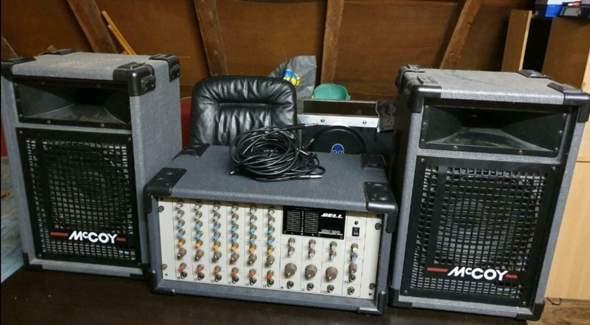 Wie kann ich DJ Equipment im Flugzeug mitnehmen?