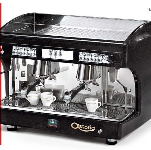 Wie kann ich eine 230 Volt Gastronomie Espressomaschine mobil betreiben? Gibt es so etwas wie ein Akkublock, der genug Power hat?