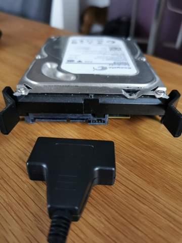 Wie kann ich eine ältere 3.5 Zoll Sata Festplatte auslesen?