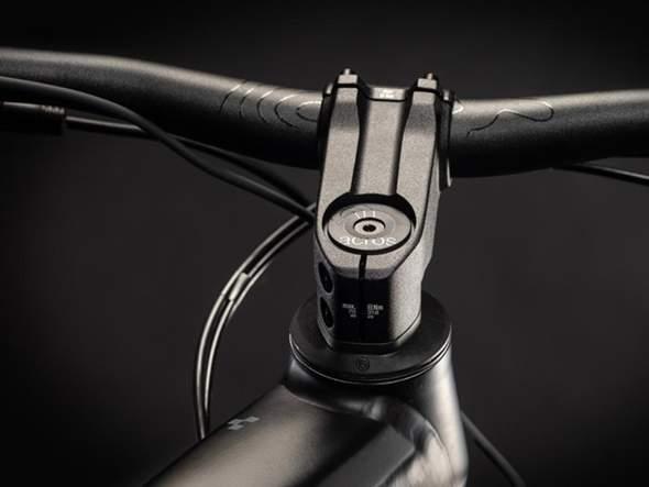 Wie kann ich einen Fahrradkindersitz an einem eMTB befestigen?