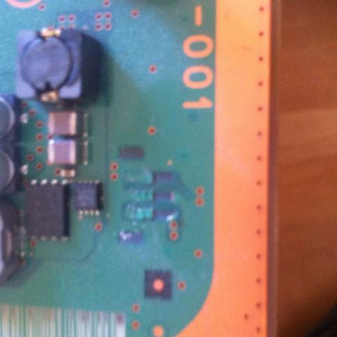 Das ist der abgerissene Kontakt - (PS3, Stecker, löten)