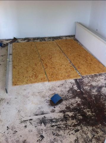 wie kann ich holzestrich ausgleichen haushalt heimwerken renovieren. Black Bedroom Furniture Sets. Home Design Ideas