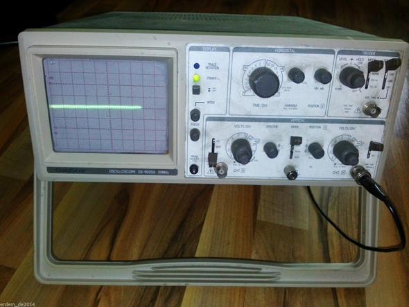 Oszilloskop Eingeschaltet (Foto von Ebay) - (Elektronik, anschließen, testen)