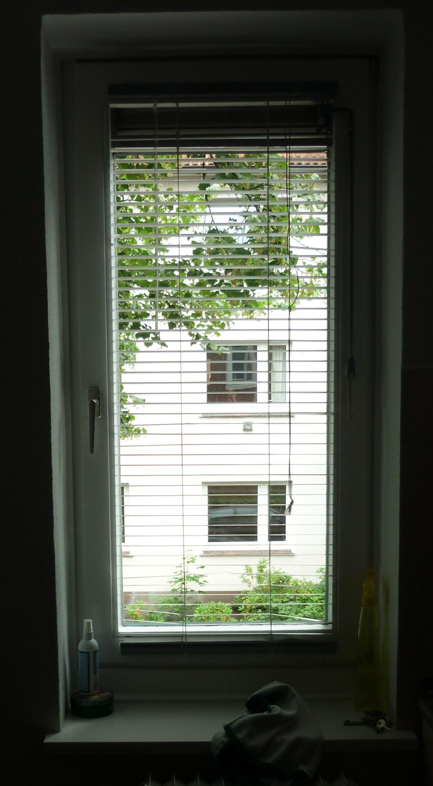 Wie kann ich mein Küchenfenster blickdicht gestalten ohne das es