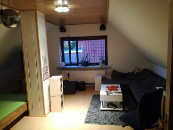 wie kann ich mein zimmer cool umstellen und anders malen dachschr ge zimmer umstellen zimmer. Black Bedroom Furniture Sets. Home Design Ideas