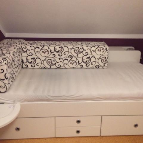 wie kann ich mein zimmer erwachsener gr sser aussehen lassen erwachsene zimmer umdekorieren. Black Bedroom Furniture Sets. Home Design Ideas