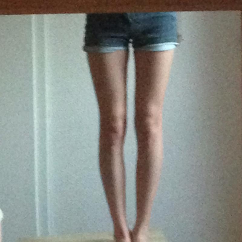 Wie kann ich meine Beine dicker Wirken lassen? Hilfe!