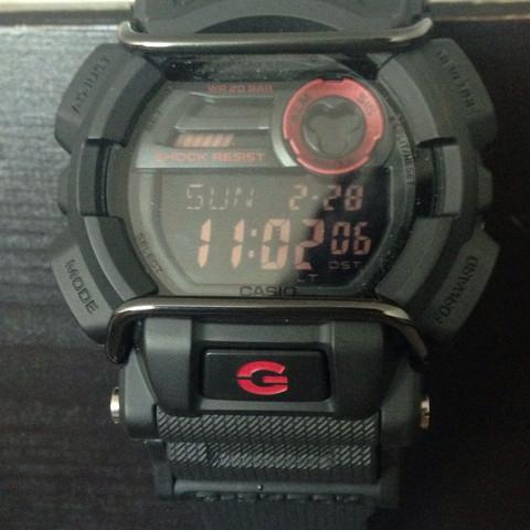 Wie kann ich meine Casio G-Shock GD-400 so einstellen, dass sie piept?