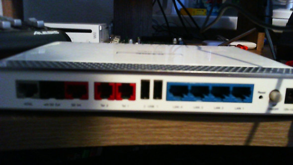 Rückseite - (Router, Switch)