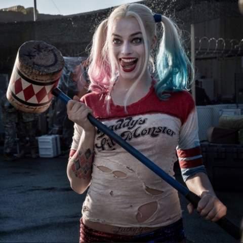 - (hübsch, Harley quinn)