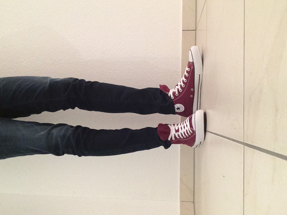 Weinrote Chucks mit Skinny Jeans - (Mode, Kleidung, Styling)