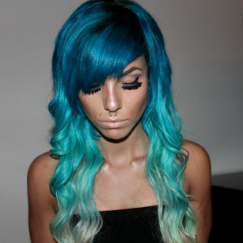 haare farben in blau modische haarschnitte und haarf rbungen. Black Bedroom Furniture Sets. Home Design Ideas