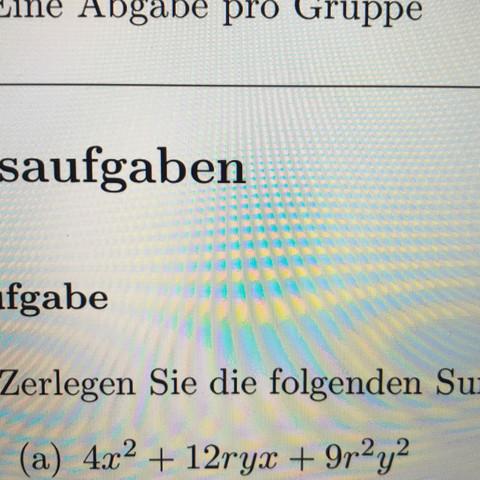 Wie kann man die Summe als ein Produkt zweier Faktoren schreiben?
