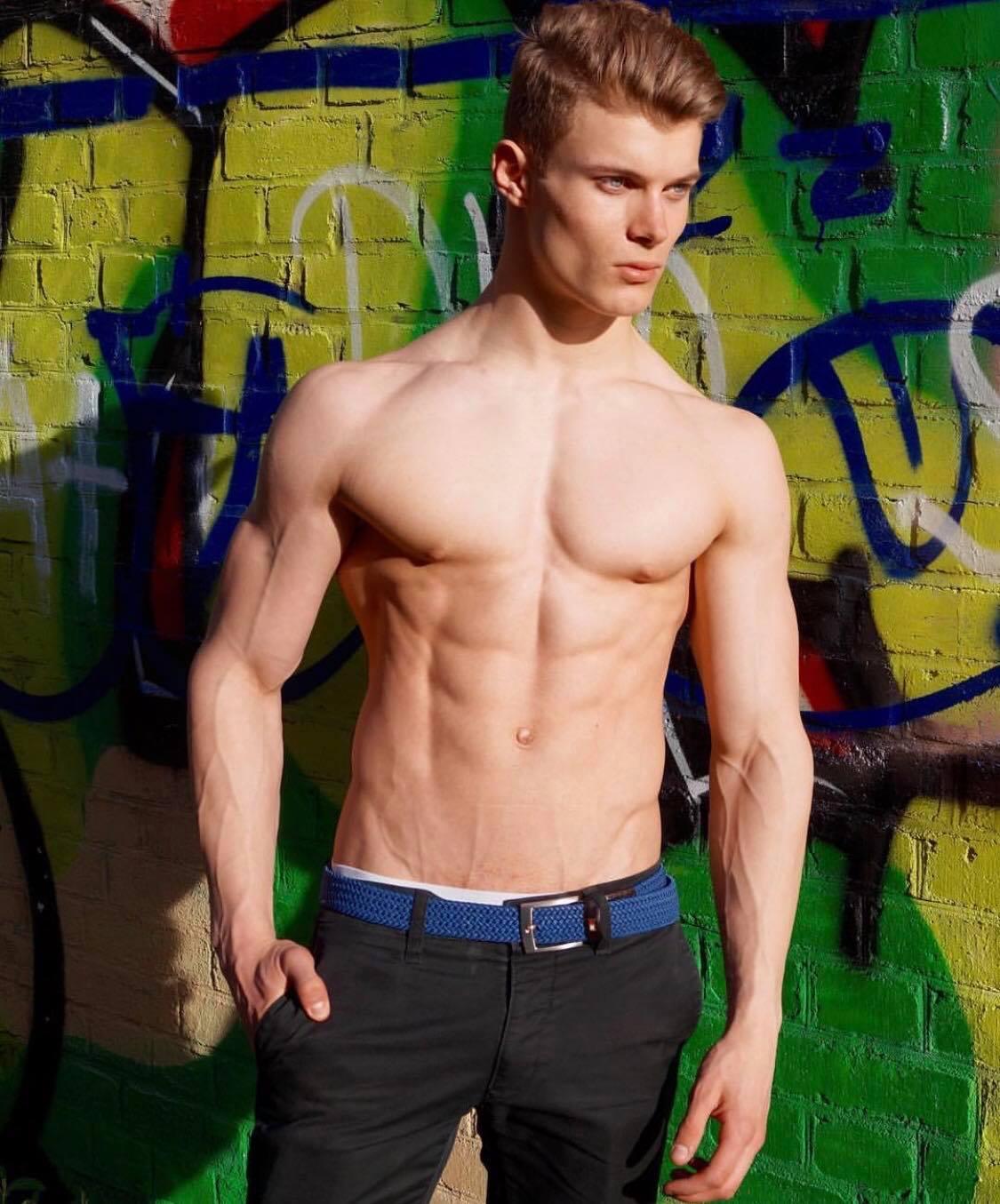Wie kann man so ein Body schon mit 17 haben? (Sport