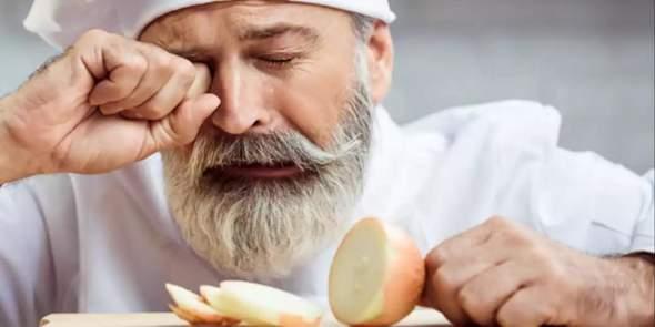 Wie kann nan Zwiebeln schneiden ohne zu weinen?
