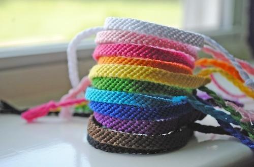 Die Armbänder^^   (selber Machen, Armband, Knüpfen)