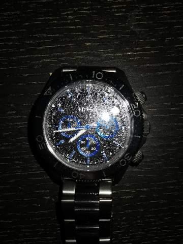 Wie kriege ich das Kondenswasser aus meiner Uhr?