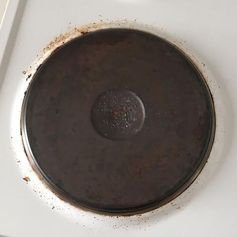 wie kriege ich den herd siehe foto richtig sauber putzen putzmittel. Black Bedroom Furniture Sets. Home Design Ideas