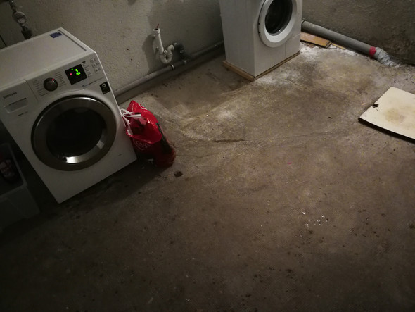 Wie kriege ich eine Waschmaschine bei unebenen Boden leise?