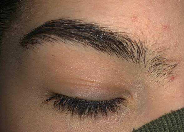 Wie kriege ich meine Augenbraunen schön?