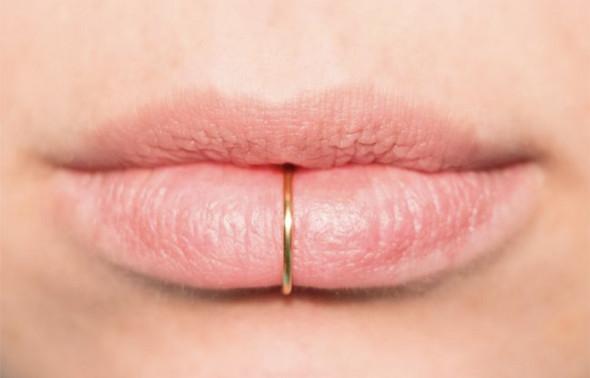 Beim küssen zungenpiercing Zungenpiercing Stechen