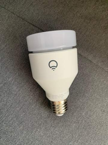 Wie Lampe in Fassung bekommen?
