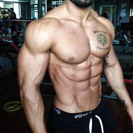 <--- Der hier  - (Körper, Fitness, Bodybuilding)