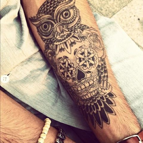 Wie Lange Dauert Ein Schwarzes Tattoo Auf Dem Unterarm
