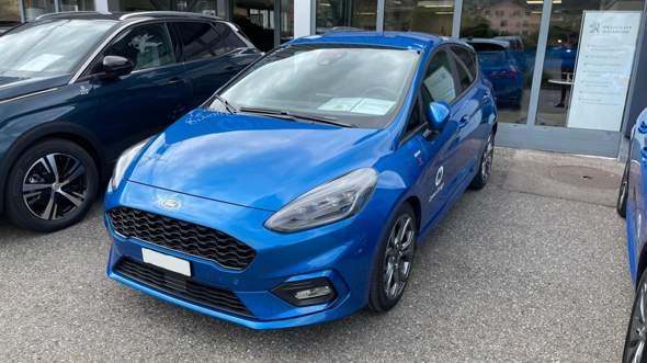 """Wie lautet der Farbcode (HEX; beginnend mit #) dieses """"Desert Island Blue"""" des Ford Fiesta ST-Line?"""