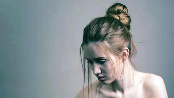 nasse haare im dutt moderne m nnliche und weibliche haarschnitte und haarf rbungen. Black Bedroom Furniture Sets. Home Design Ideas