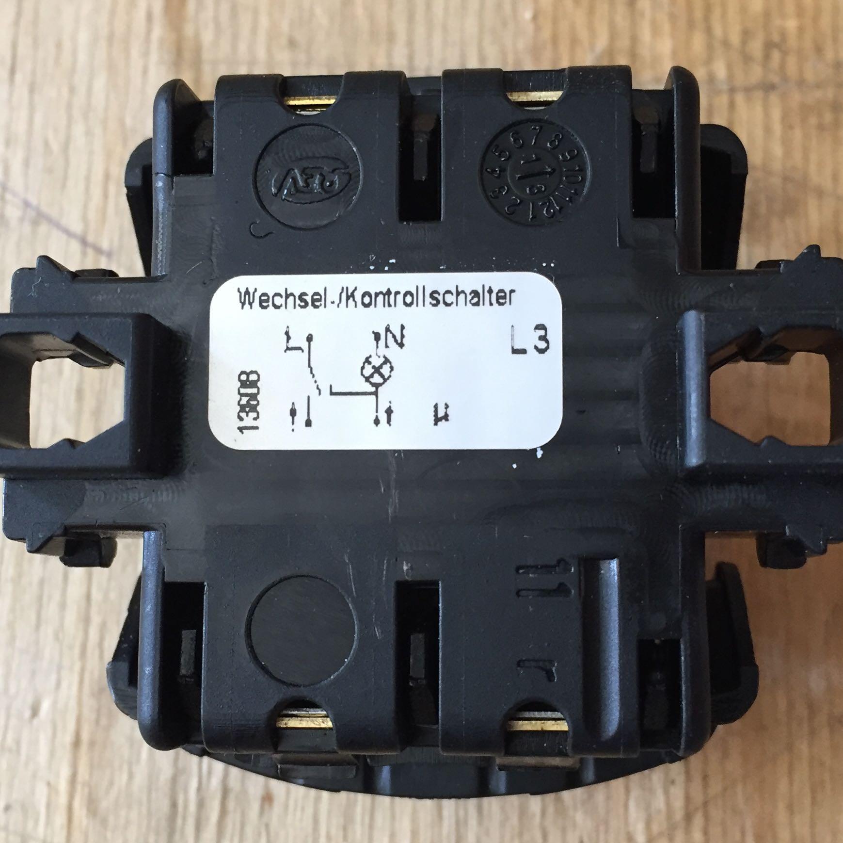 Wie muss ich diesen Kontroll-Schalter anschließen? (Elektronik, Auto ...