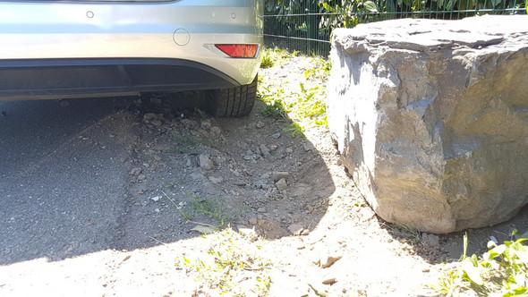 - (Auto, Auto und Motorrad, Unfall)
